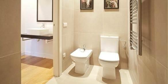 Ingresar a nuestros ambientes de baño